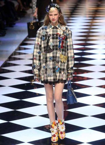 Moda  sfila la favola di Dolce e Gabbana - Spettacoli - quotidiano.net 02d21b0cde5