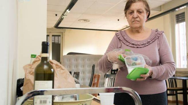 Filomena Giannattasio ha raggiunto le altre famiglie che da una decina di giorni occupano lo stabile di viale Italia