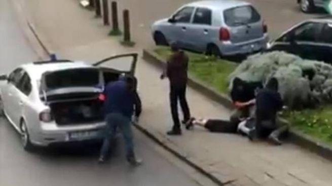L'arresto di Mohamed Abrini (Ansa)