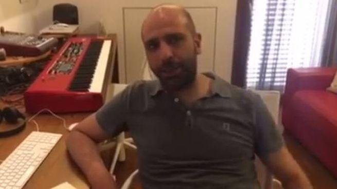 Checco Zalone nel video messaggio per i detenuti (Facebook)