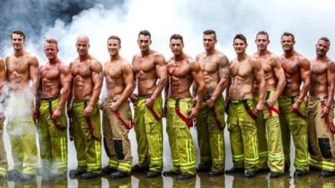 Calendario Pompieri.Il Calendario Sexy Dei Pompieri Australiani Nudi Per Una