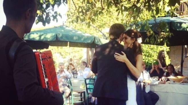 Il ministro Dario Franceschini balla con la neo sposa Michela Di Biase