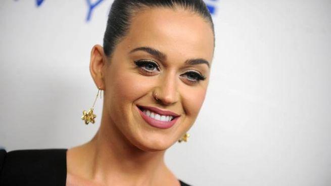 Katy Perry verso la giuria di X-Factor (Olycom)