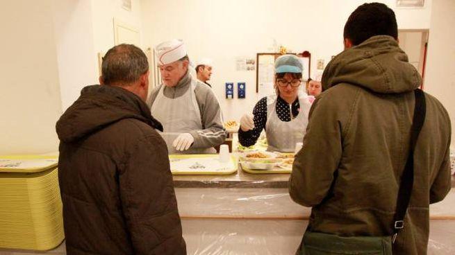 Una mensa della Caritas (Foto Ravaglia)
