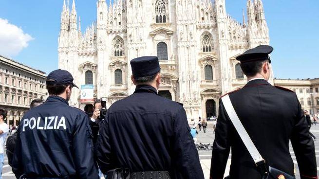 Forze dell'ordine in piazza Duomo