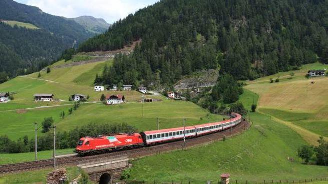Il treno che collega Germania e Austria alla Riviera Romagnola
