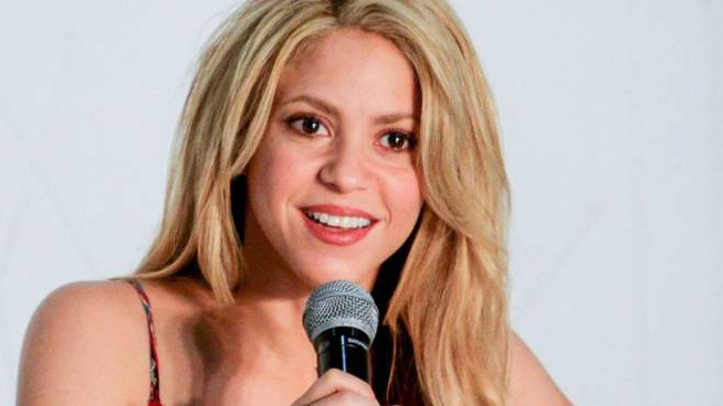 Shakira in conferenza a Barranquilla (AFP)