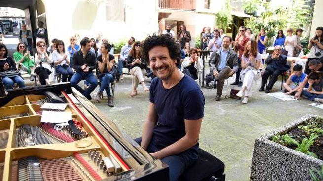 Milano,  23/05/2016  -   PIANOCITY  IN VIALE BLIGNY 42 - PIANISTA MASSIMO CARRIERI    FOTO: SIMONA CHIOCCIA/SICKI