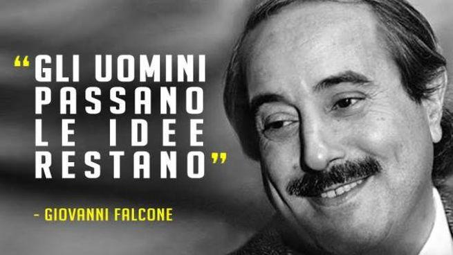Giovanni Falcone Frasi Celebri Del Giudice Che Alzò Gli