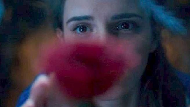 Emma Watson neipanni di Belle ne 'La Bella e la bestia'