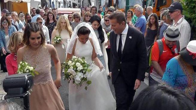 Mariù De Sica durante il suo matrimonio, assieme a papà Christian