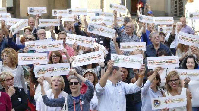 Il flashmob a Prato (foto Attalmi)