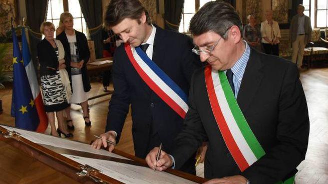 Del Bono e il sindaco di Troyes firmano il giuramento di fraternità