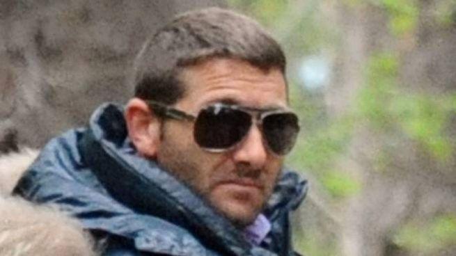 Salvatore Parolisi sul luogo del ritrovamento del cadavere dalla moglie Melania Rea a Ripe di Civitella (Teramo) il 22 aprile 2011. ANSA / CRISTIANO CHIODI