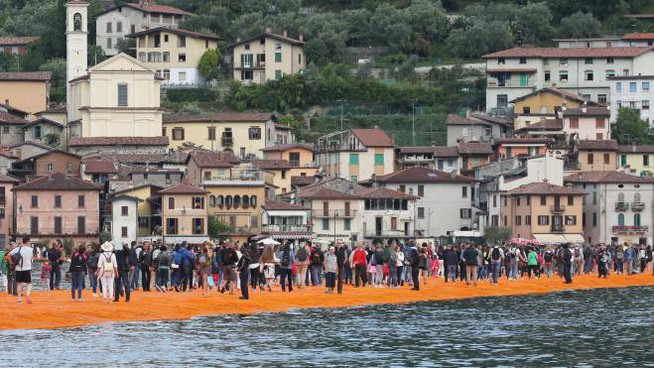Folla per The Floating Piers