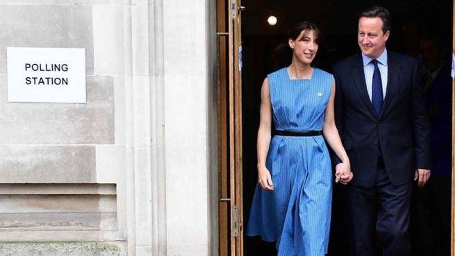 Brexit, il premier David Cameron e la moglie lasciano il seggio (Afp)