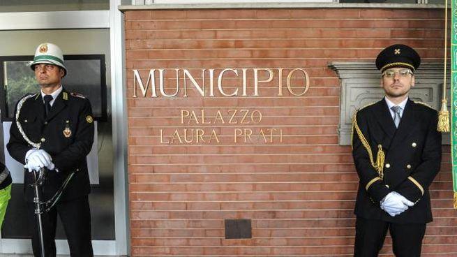 La nuova denominazione del municipio di Cardano al Campo
