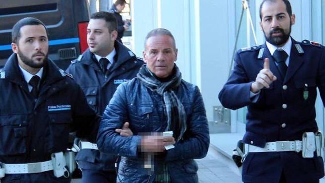 Mario Trovato scortato in tribunale