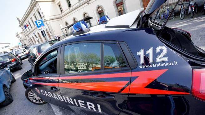 Una macchina dei Carabinieri (foto d'archivio)
