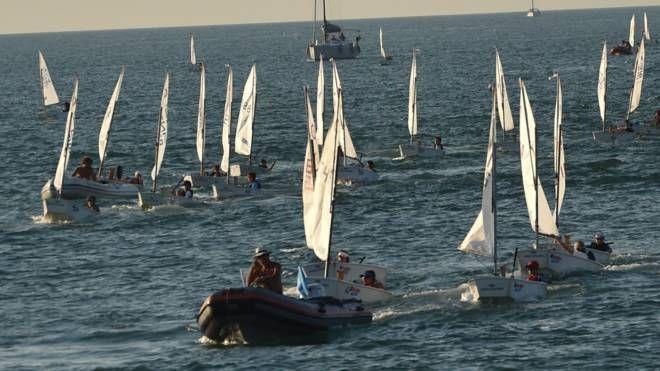 Un momento della regata (foto Vives)