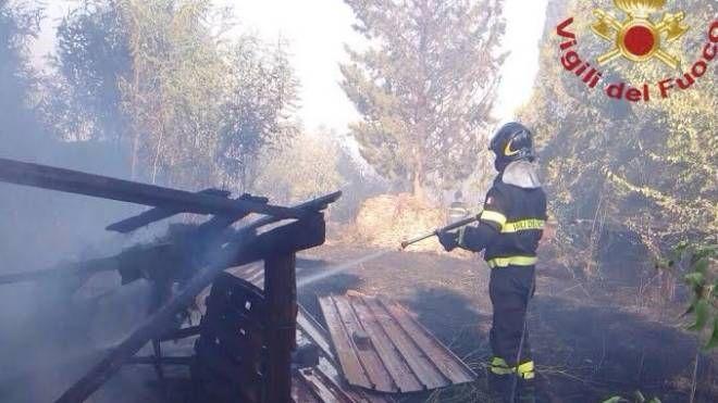 Incendio alla fattoria San Quintino (Foto Vigili del fuoco)