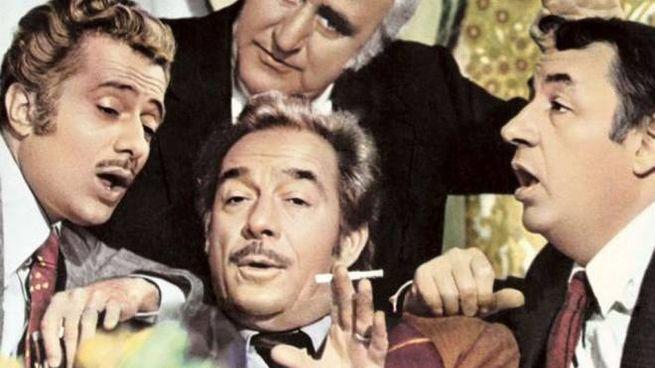 Un'immagine tratta dal  film «Amici Miei», in cui il 'conte Mascetti' (Ugo Tognozzi) si inventa il trucco del 'Rigatino' per non pagare il conto dell'albergo