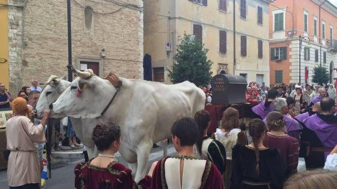 'Serata medievale' a Pergola (Foto Franceschetti)