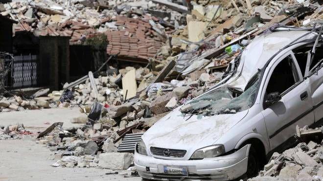 Terremoto e devastazione in centro Italia (Lapresse)