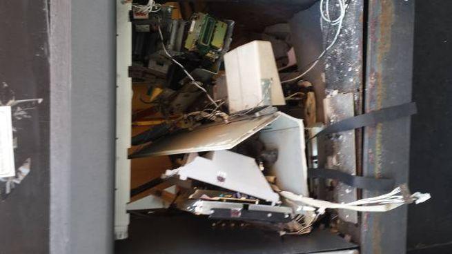 Un bancomat esploso (foto d'archivio)