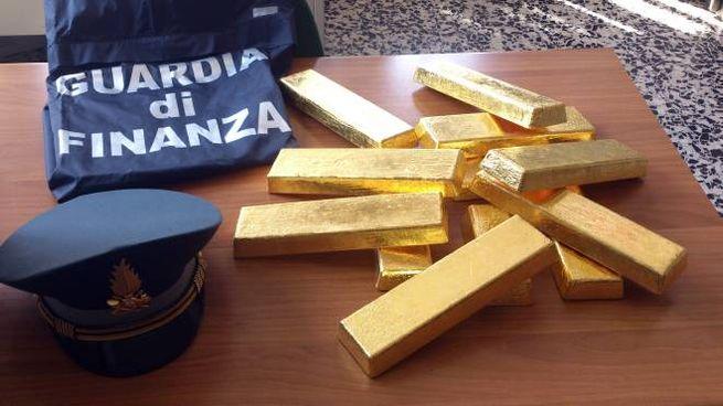 Lingotti d'oro sequestrati dalla Finanza (Cusa)