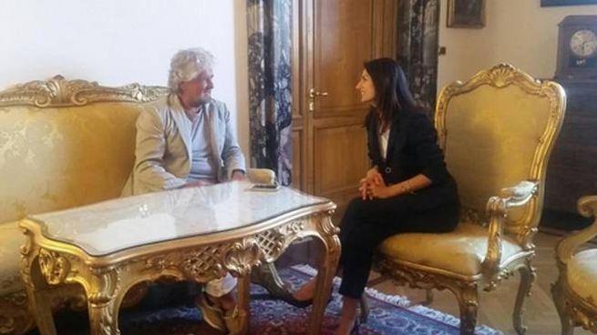 Beppe Grillo e Virginia Raggi (Ansa)
