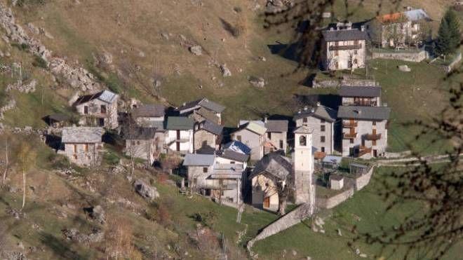 Uno scorcio del borgo di Frasnedo