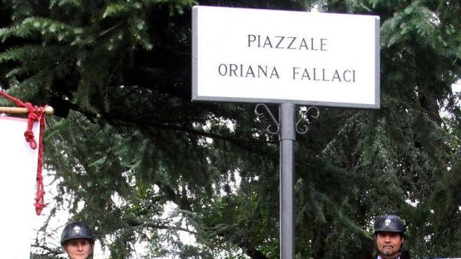 Un piazzale intitolato a Oriana Fallaci a Firenze (Foto NewPressPhoto)
