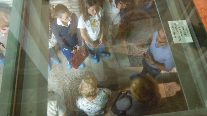 Un momento della visita guidata ai mosaici del Duomo