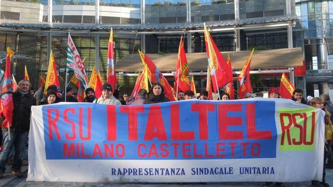 Una foto d'archivio di protesta dei lavoratori della Italtel (Studionord)