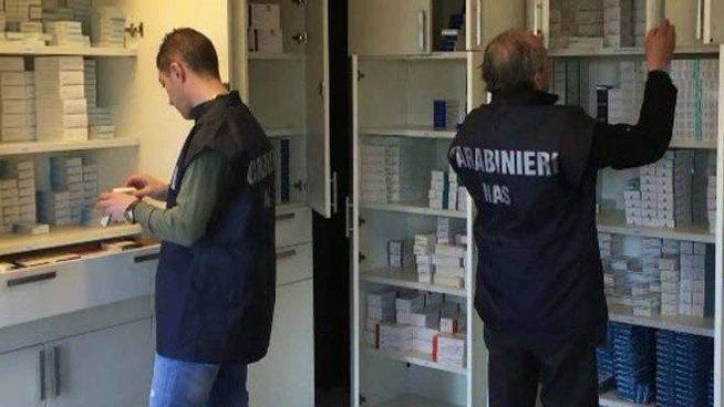 I carabinieri controllano i farmaci