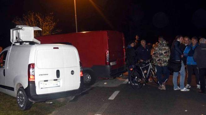 Il presidio fra Goro e Gorino per bloccare l'arrivo di 11 dobbe profughe (Foto Businesspress)