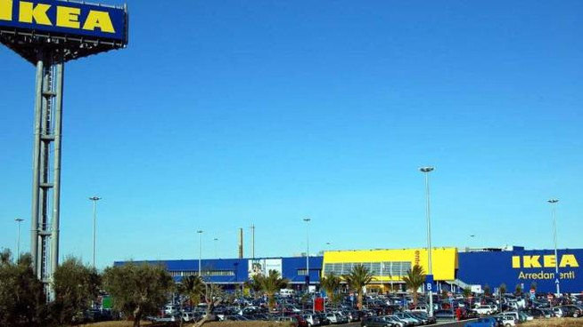Ikea Bari dove mor� il piccolo Giulio soffocato dalla polpetta, 21 Aprile 2014. ANSA/LUCA TURI