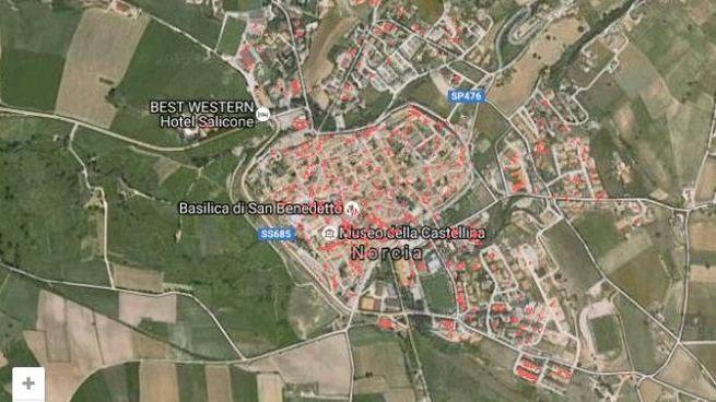 Cartina Satellitare Lombardia.Terremoto Norcia Vista Dal Satellite Ecco La Mappa Dei Danni Cronaca Quotidiano Net