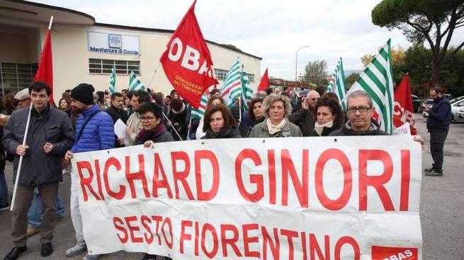 Un corteo dei lavoratori della Richard Ginori