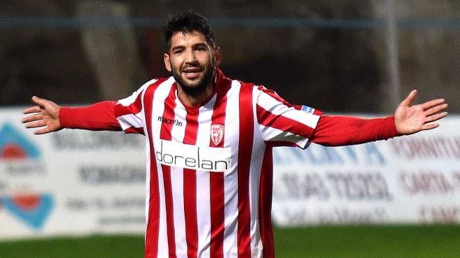 Bardelloni esulta: altri 2 gol per il bomber (foto Fantini)
