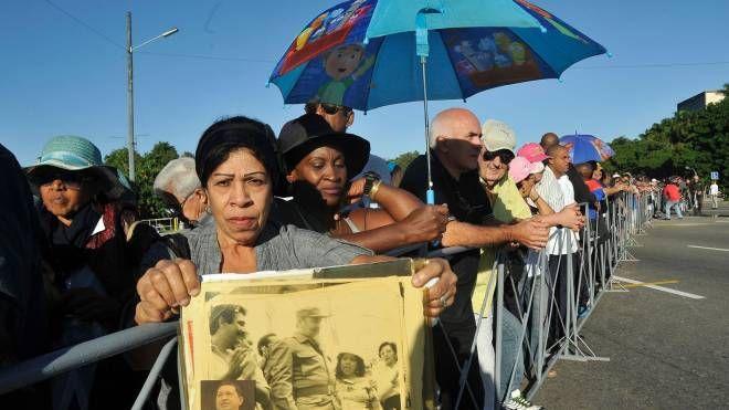 L'avana, l'ultimo omaggio a Fidel Castro (Afp)
