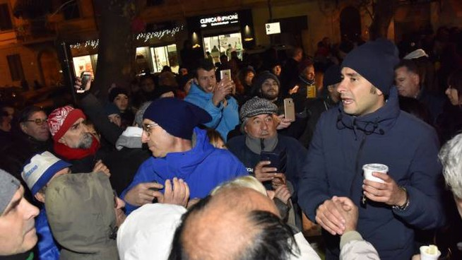 Alessandro Di Battista in piazza XX Settembre
