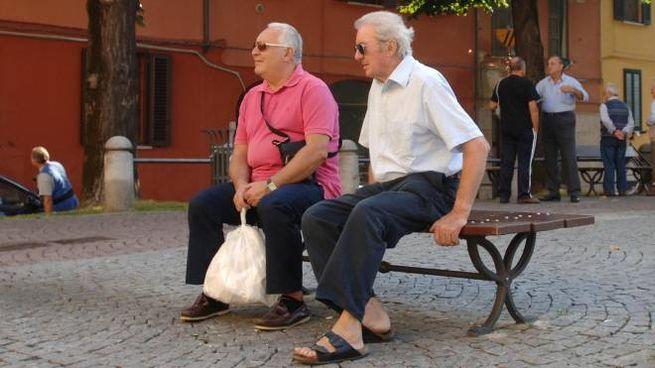 """Anziani italiani """"dal cuore d'oro"""" (Newpress)"""