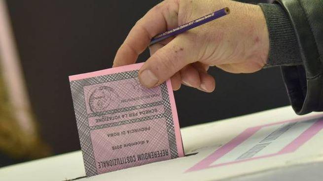 Una scheda elettorale per il voto del referendum costituzionale