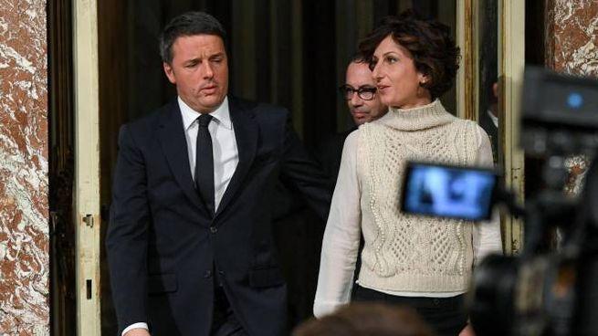 Referendu, Renzi con la moglie Agnese prima delle dimissioni (Ansa)
