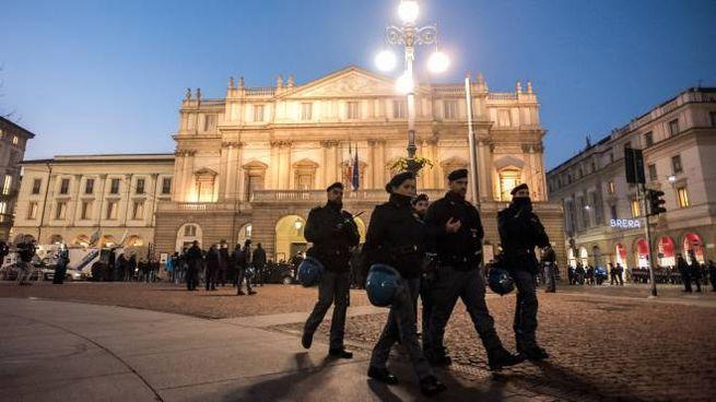 Sicurezza davanti al Teatro alla Scala per la Prima