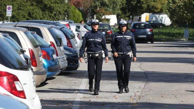 AL LAVORO La polizia municipale (repertorio)