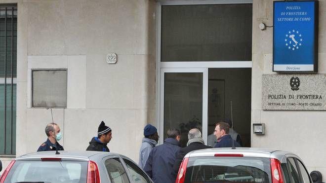 Alcuni migranti rimandati in Italia dal valico di Chiasso