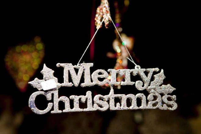Sms Di Buon Natale.Buon Natale Frasi E Immagini D Autore Per Auguri Ad Effetto Cronaca Quotidiano Net